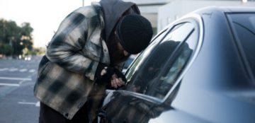 Roubos e furtos de veículos caem pela segunda vez no ano