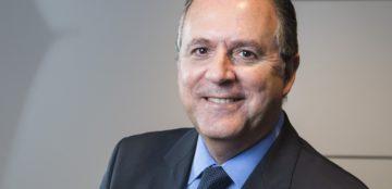 sao paulo, brasil 28-04-2014 retrato de Roberto Santos -  diretor da Azul  , na sede da empresa porto seguro em SP.   Foto ©fernando martinho